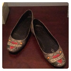 Gucci iconic limited edition flats